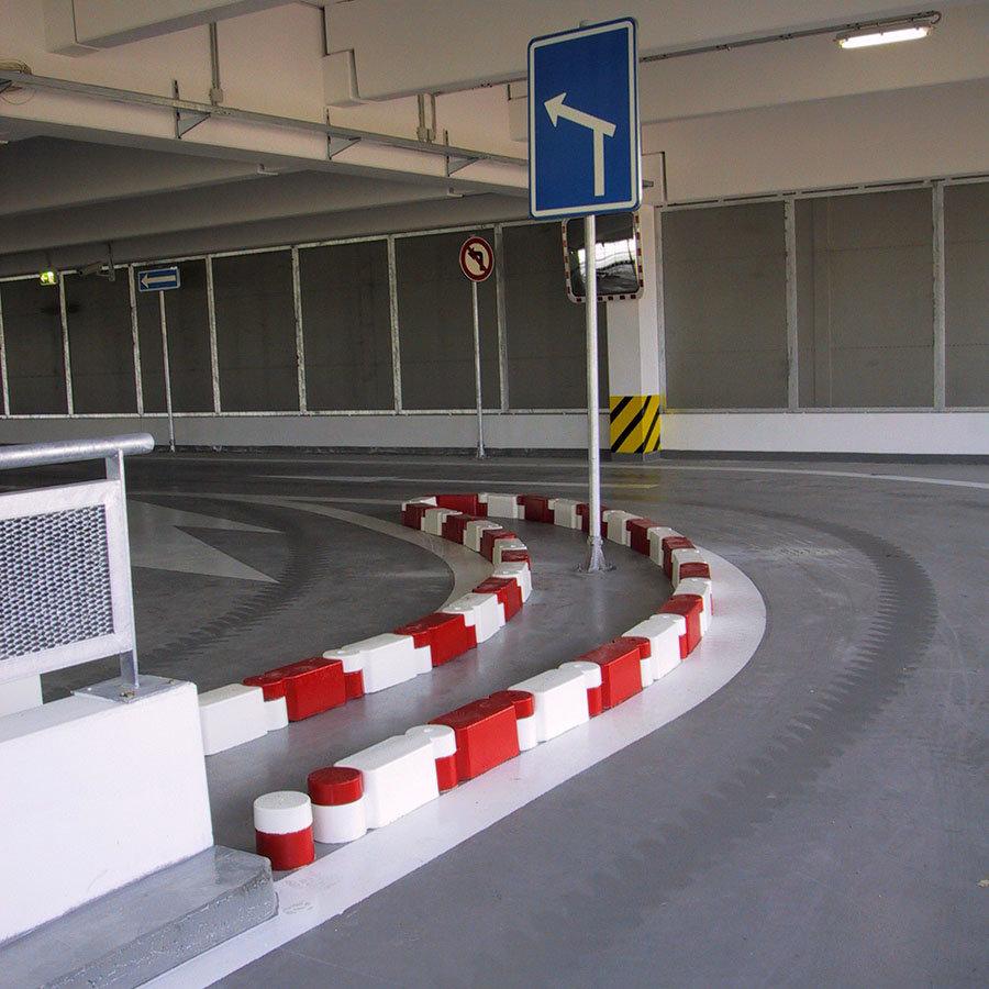 Pozemní komunikace, garáže, parkoviště