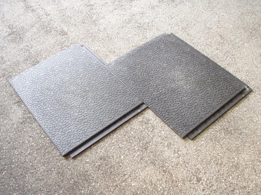 Plastová podlahová kamínková deska - délka 80 cm, šířka 60 cm a výška 2,2 cm