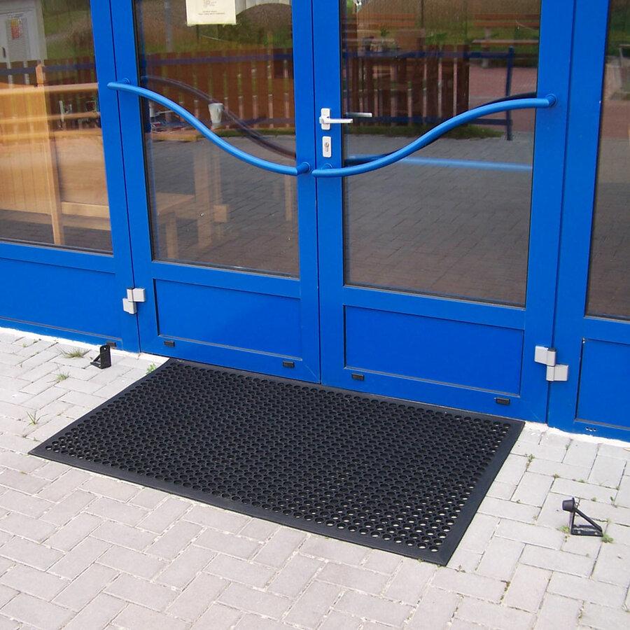 Černá gumová venkovní čistící vstupní rohož - délka 150 cm, šířka 90 cm a výška 1,4 cm
