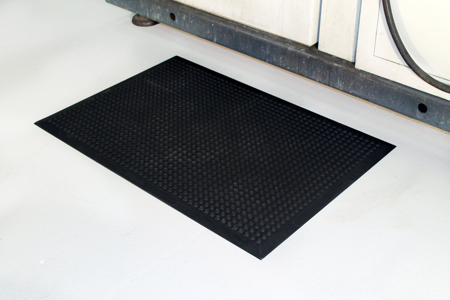 Černá gumová průmyslová protiúnavová rohož - délka 120 cm, šířka 90 cm a výška 1,5 cm