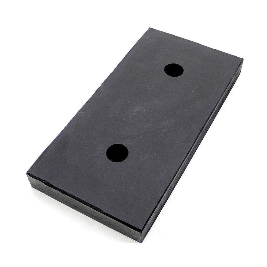 Černý pryžový doraz na rampu FLOMA - délka 50 cm, šířka 25 cm a tloušťka 5 cm