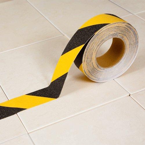 Černo-žlutá korundová protiskluzová páska - délka 18 m a šířka 5 cm