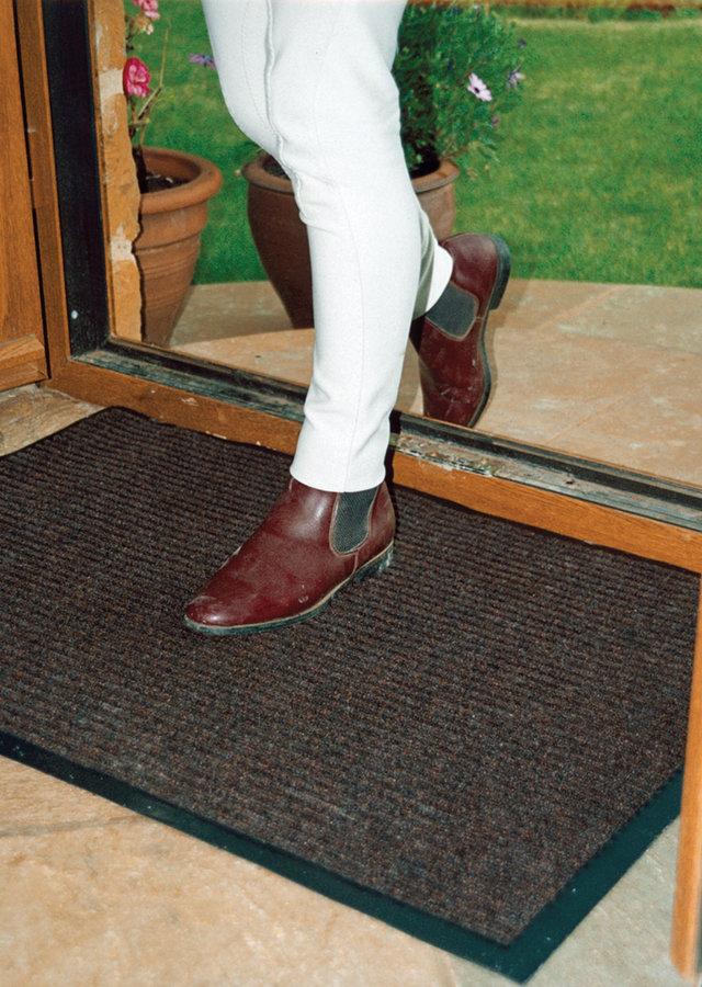 Hnědá textilní vstupní vnitřní čistící rohož 03 - délka 60 cm, šířka 90 cm a výška 0,7 cm