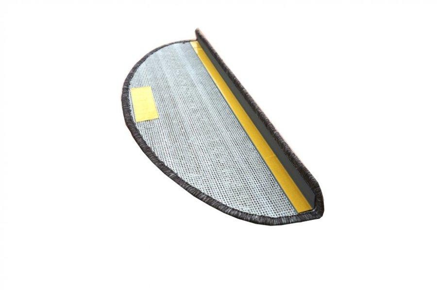 Hnědý kobercový půlkruhový nášlap na schody Udinese - délka 20 cm a šířka 65 cm