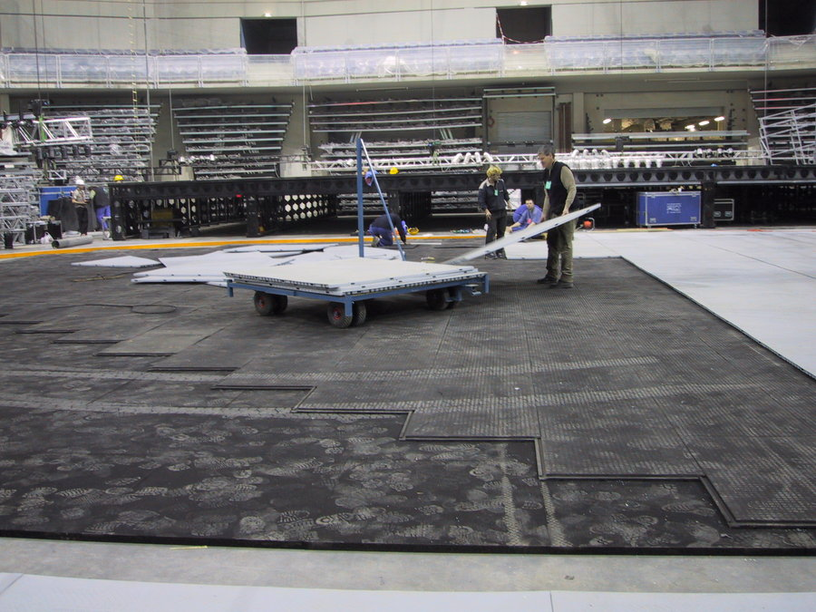 Plastová interierová univerzální podlahová deska - délka 120 cm, šířka 80 cm a výška 4,3 cm