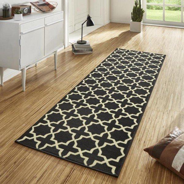 Černý kusový moderní koberec Basic - šířka 80 cm