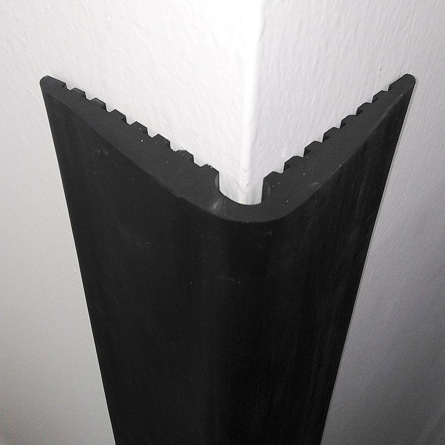 Pryžový ochranný pás (roh) FLOXO - délka 150 cm, šířka 9 cm a tloušťka 1 cm