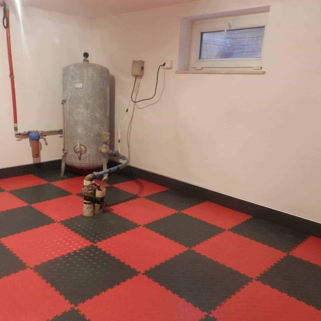 Zelená PVC vinylová soklová podlahová lišta Fortelock Industry - délka 51 cm, šířka 10 cm a tloušťka 0,7 cm