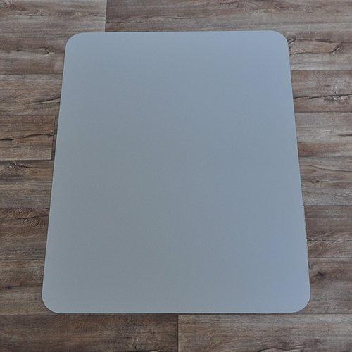 Stříbrná ochranná podložka pod židli na hladké povrchy - délka 120 cm, šířka 90 cm a výška 0,15 cm