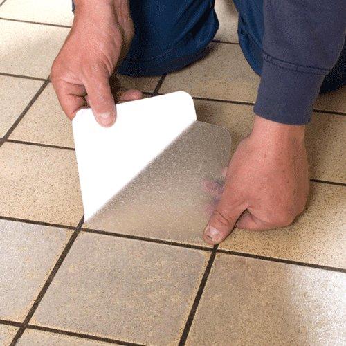 Vinylová protiskluzová průhledná samolepící podlahová páska (dlaždice) - délka 14 cm a šířka 14 cm