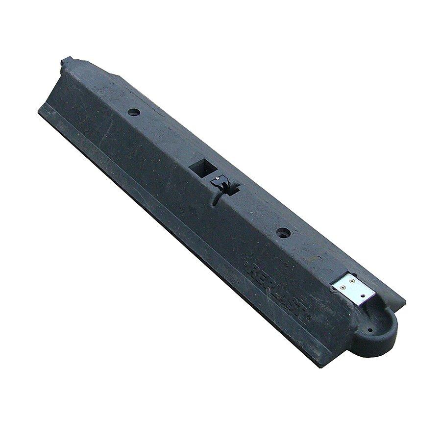 """Černý plastový silniční vodící práh """"CZ 3"""" - délka 109,5 cm, šířka 24,8 cm a výška 9 cm"""