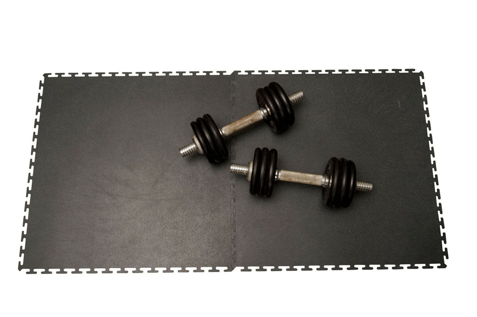 Šedá plastová zátěžová puzzle protiskluzová dlažba Tenax - délka 60 cm, šířka 60 cm a výška 0,8 cm