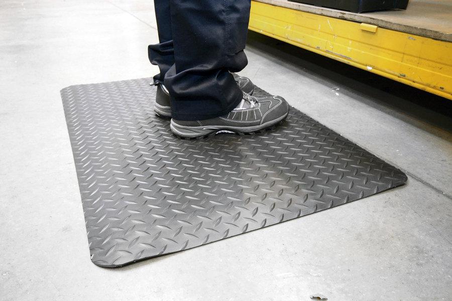 Černo-žlutá gumová laminovaná průmyslová protiúnavová metrážová rohož - šířka 120 cm a výška 1,4 cm