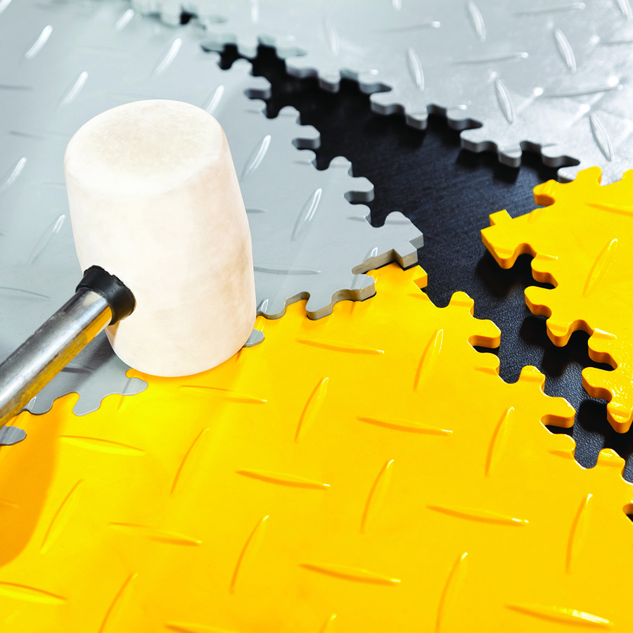 Šedý vinylový plastový nájezd Eco 2045 (penízky), Fortelock - délka 51 cm, šířka 14 cm a výška 0,7 cm