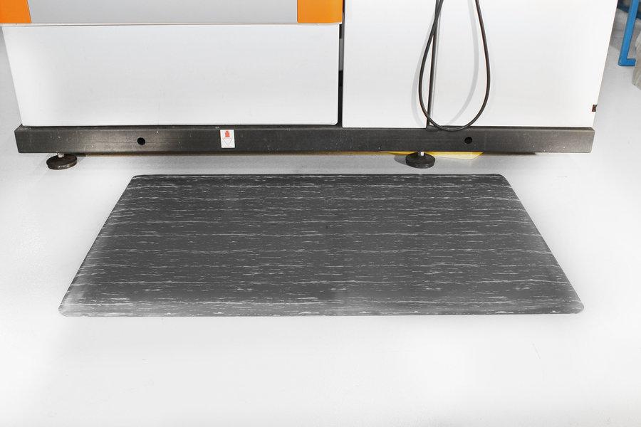 Šedá gumová průmyslová protiúnavová rohož - délka 90 cm, šířka 60 cm a výška 1,4 cm
