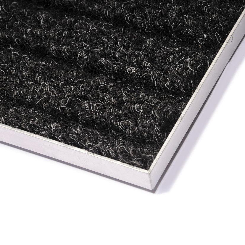 Hliníkový rám pro vstupní rohože a čistící zóny pro zapuštění do podlahy - délka 1 cm, šířka 3 cm, výška 1 cm a tloušťka 0,2 cm