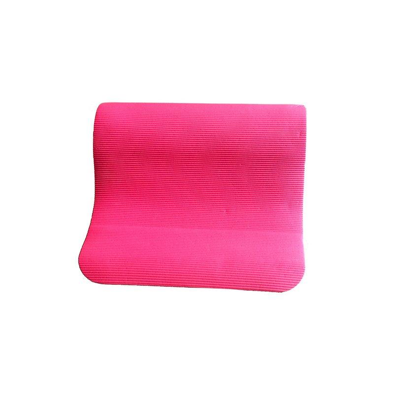 Růžová gymnastická podložka na cvičení - délka 180 cm, šířka 60 cm a výška 0,9 cm