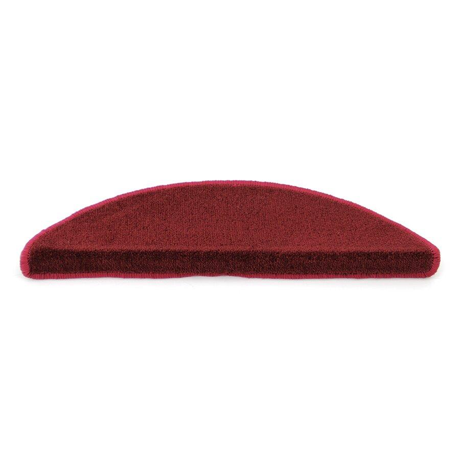 Červený kobercový půlkruhový nášlap na schody Parma - délka 17 cm a šířka 56 cm