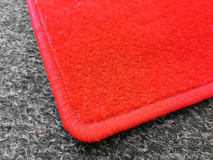 Červený kusový koberec Eton - délka 150 cm a šířka 80 cm