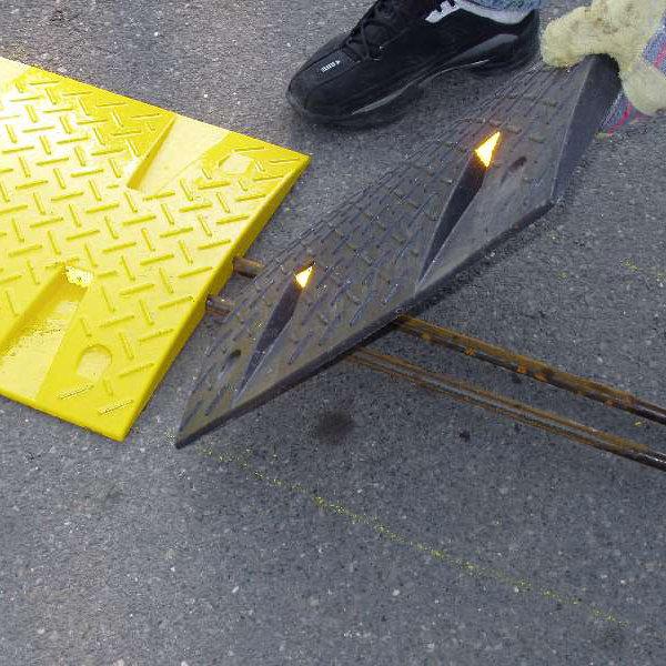 Ocelová výztuha pro zpomalovací prahy do 10 km / hod - průměr 1,6 cm a délka 100 cm