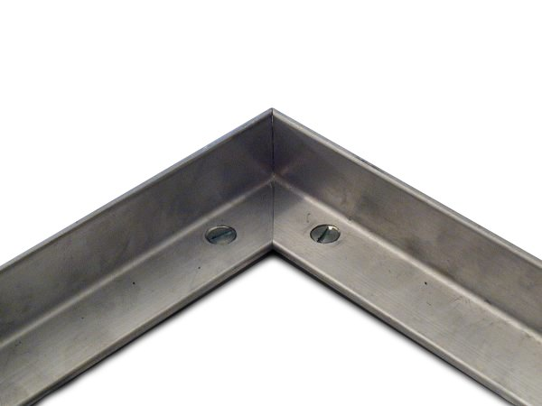 Hliníkový rám pro vstupní rohože a čistící zóny FLOMA pro zapuštění do podlahy - délka 1 cm, šířka 3 cm, výška 1,3 cm a tloušťka 0,2 cm