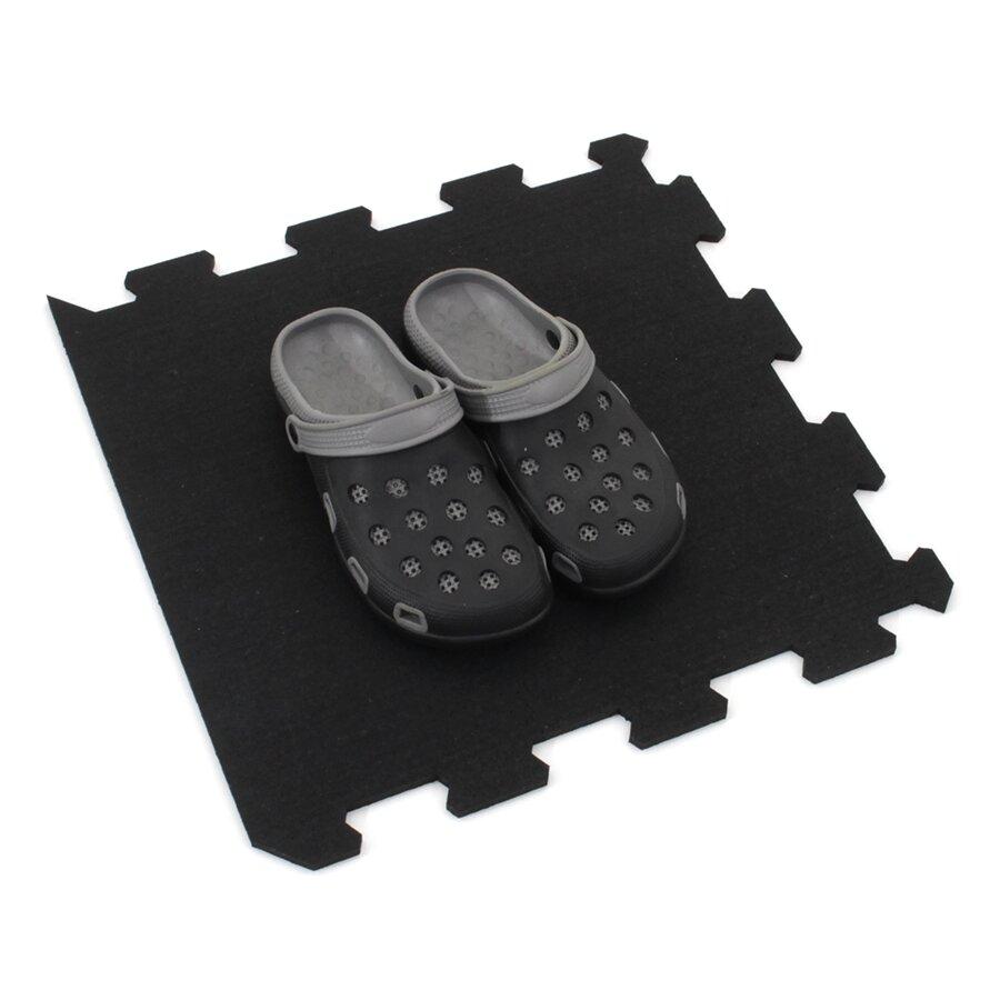 Černá gumová modulová puzzle dlažba (okraj) FLOMA FitFlo SF1050 - délka 95,6 cm, šířka 95,6 cm a výška 1,6 cm