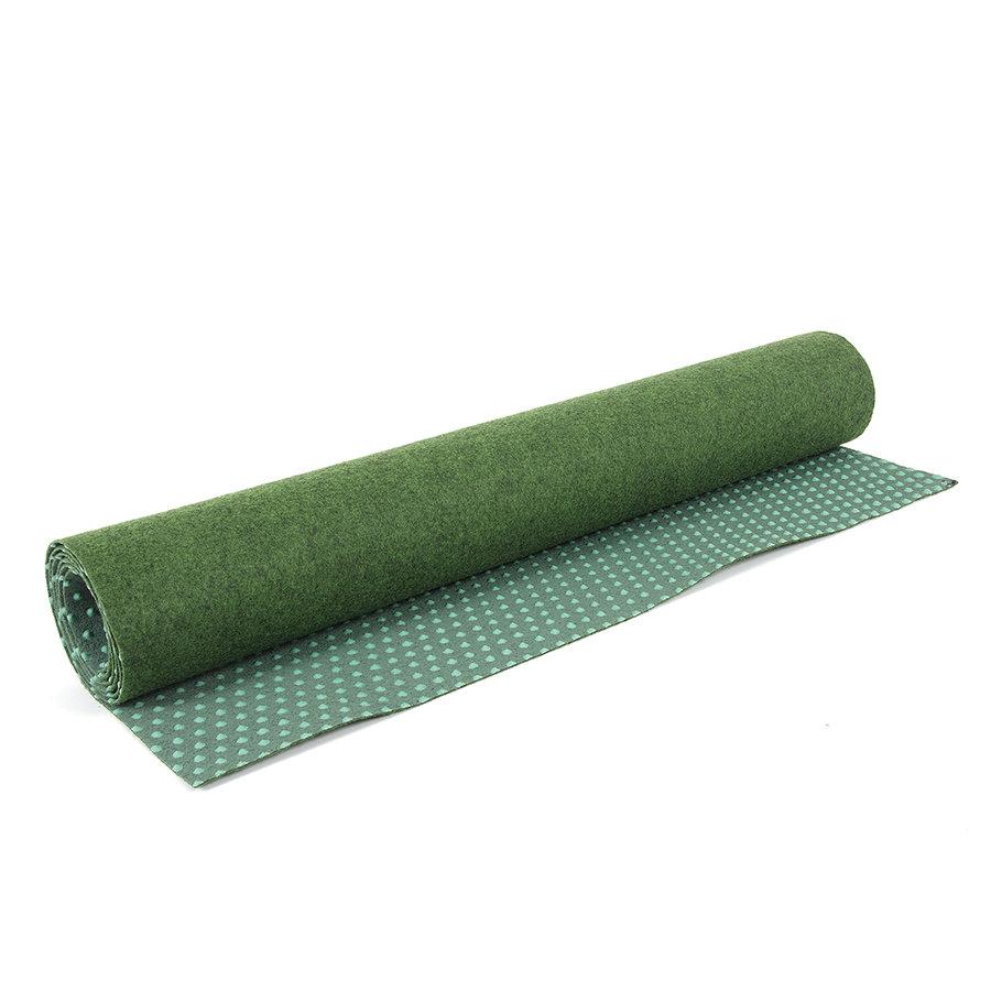 Zelený travní metrážový koberec Basic - délka 1 cm, šířka 100 cm a výška 0,4 cm