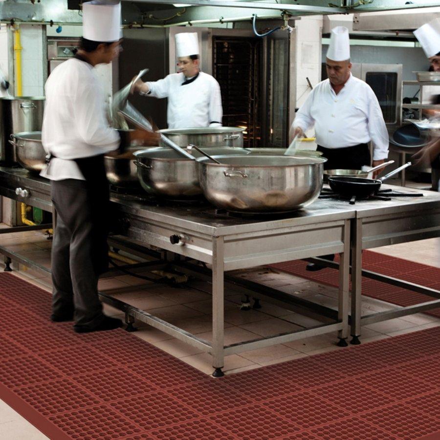 Červená gumová kuchyňská modulová rohož Cushion Easy Red - délka 91 cm, šířka 91 cm a výška 1,9 cm