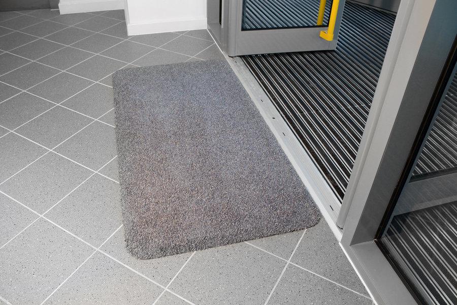 Šedá bavlněná vstupní vnitřní čistící rohož - délka 150 cm, šířka 75 cm a výška 0,4 cm