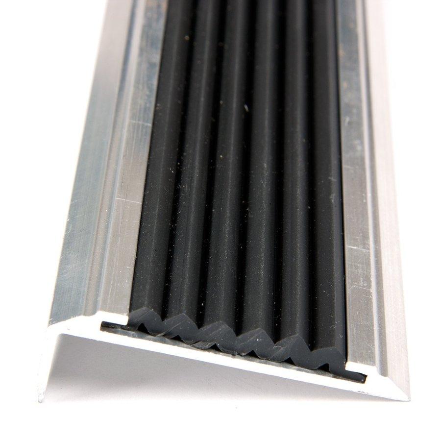 Černá hliníková schodová hrana s protiskluzovým páskem Antislip, FLOMA - délka 300 cm, šířka 5,3 cm a výška 2 cm
