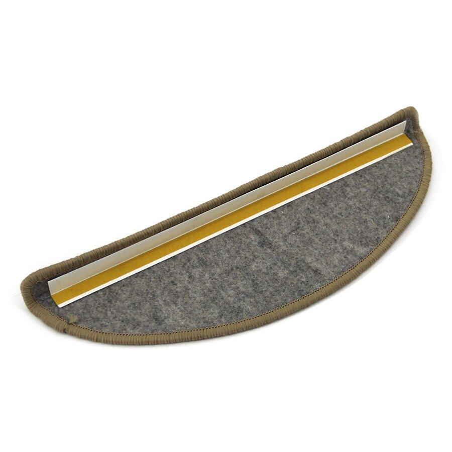 Světle hnědý kobercový půlkruhový nášlap na schody Sisal - délka 17 cm a šířka 56 cm
