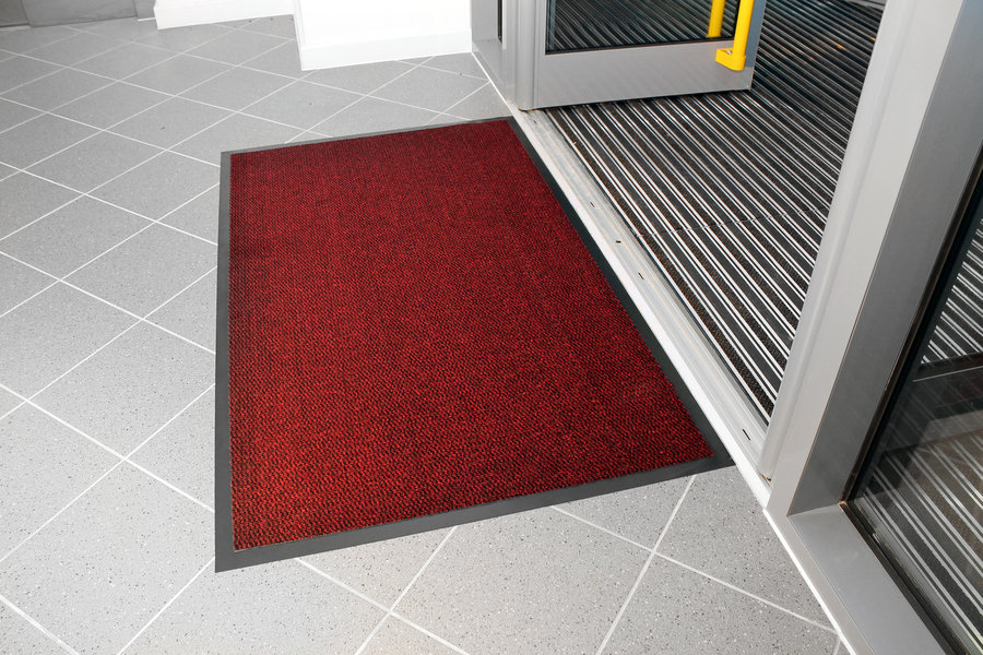 Červená textilní čistící vnitřní vstupní rohož - délka 120 cm, šířka 180 cm a výška 0,7 cm