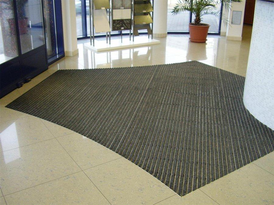 Textilní gumová hliníková vnitřní vstupní rohož Alu Standard, FLOMA - délka 100 cm, šířka 100 cm a výška 2,7 cm