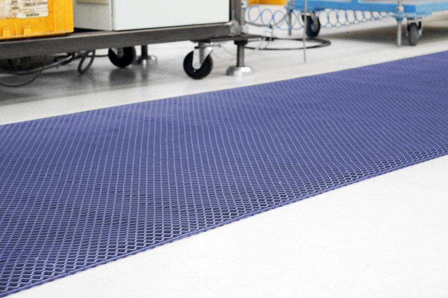 Šedá protiskluzová univerzální rohož - délka 9 m, šířka 100 cm a výška 0,85 cm