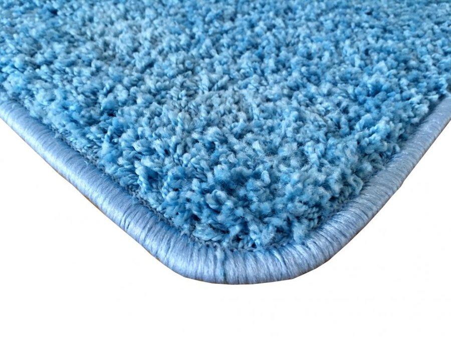 Modrý koberec Shaggy