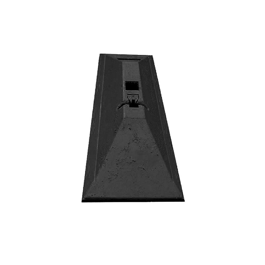 """Černý plastový silniční vodící práh """"CZ 7"""" - délka 63 cm, šířka 24,8 cm a výška 9 cm"""