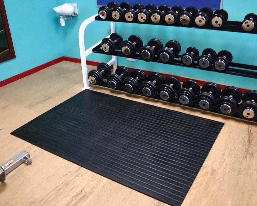 Černá fitness rohož - délka 180 cm, šířka 120 cm a výška 1,7 cm