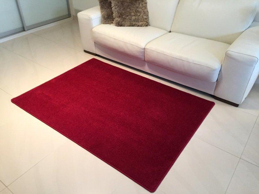 Vínový kusový koberec Eton - délka 150 cm a šířka 80 cm