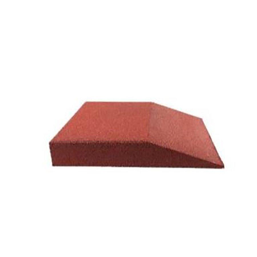 Červená gumová krajová dopadová dlaždice (V100/R00) FLOMA - délka 50 cm, šířka 50 cm a výška 10 cm