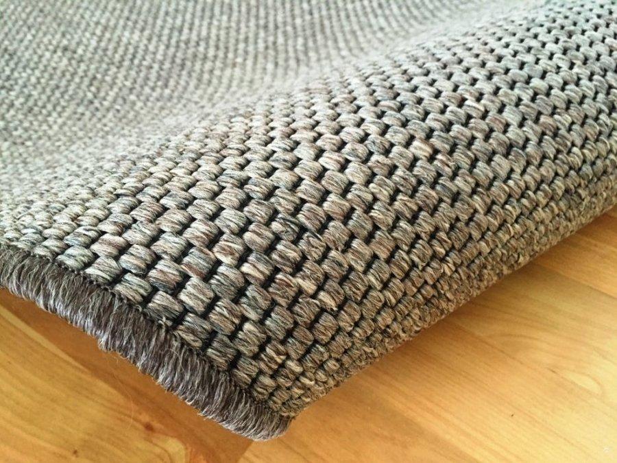 Hnědý kusový koberec Nature - délka 110 cm a šířka 60 cm