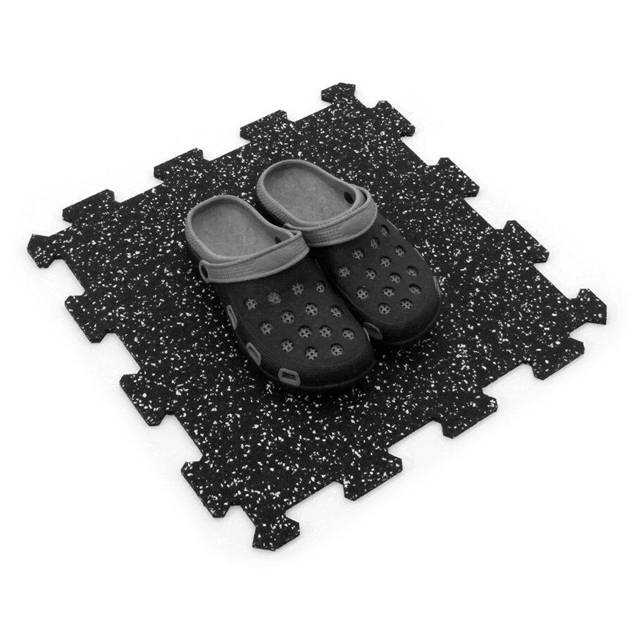 Černo-bílá gumová puzzle modulová dlažba FLOMA SF1050 FitFlo - délka 47,8 cm, šířka 47,8 cm a výška 0,8 cm