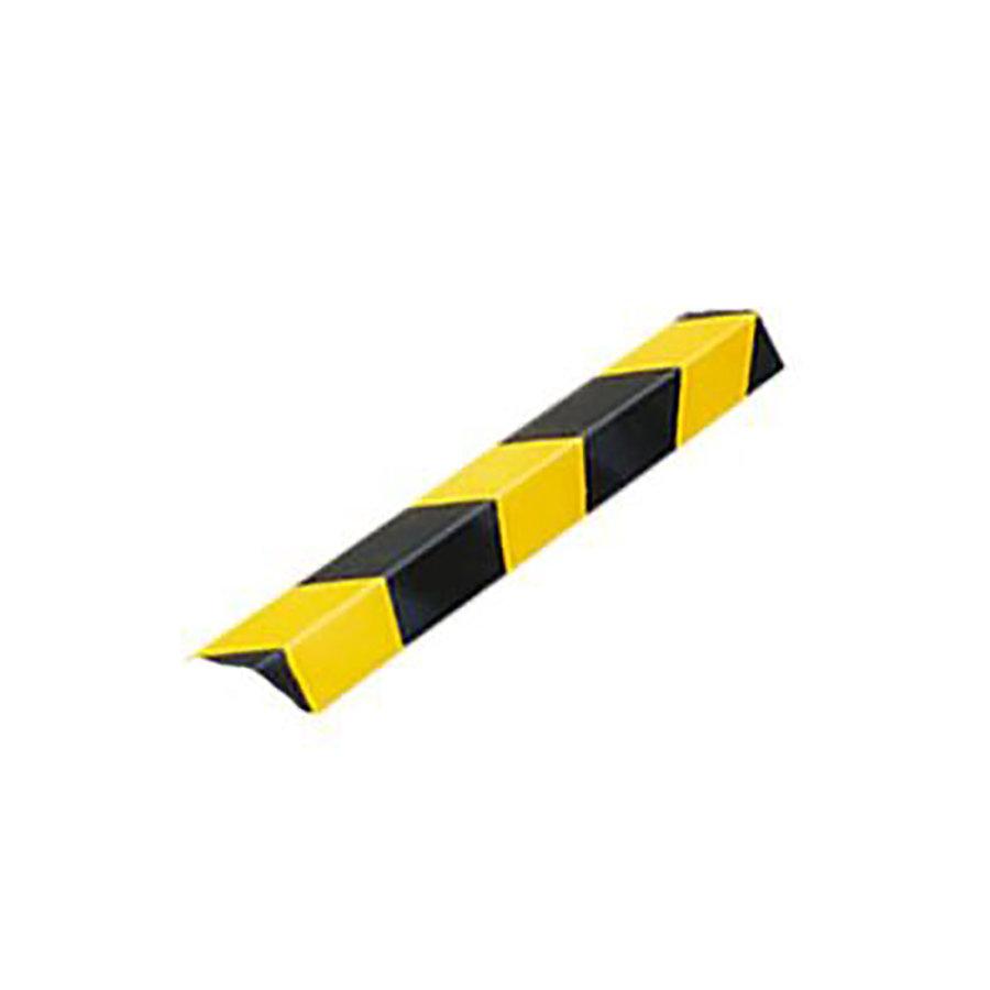 Černo-žlutý pozinkovaný roh na ochranu stěn - délka 150 cm, šířka 5 cm a tloušťka 0,55 cm