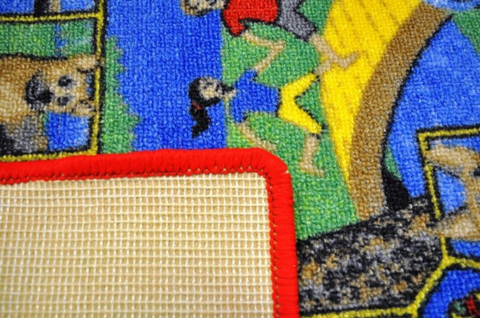 Různobarevný dětský hrací koberec - délka 92 cm a šířka 92 cm