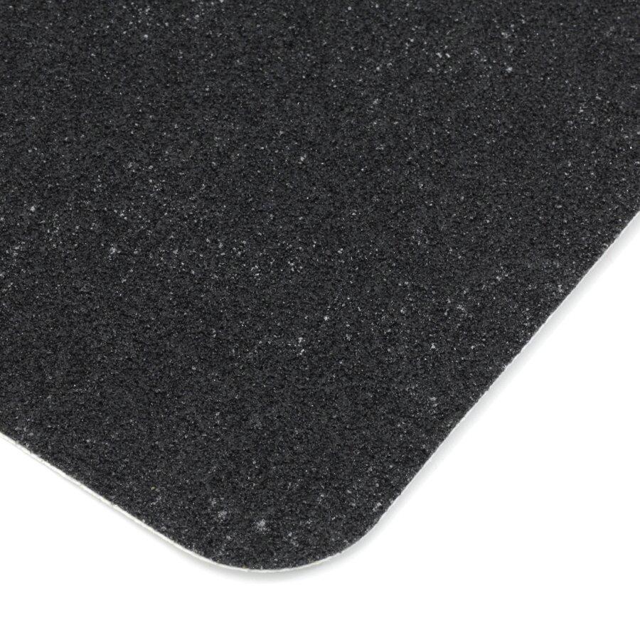 Černá korundová protiskluzová páska (pás) FLOMA Standard - délka 15 cm, šířka 61 cm a tloušťka 0,7 mm