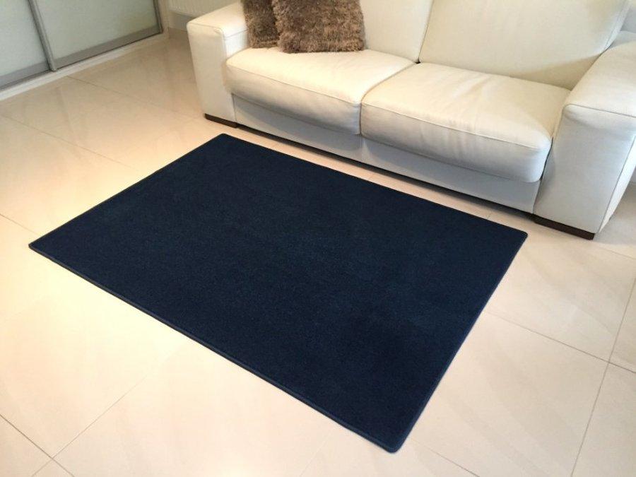 Modrý kusový koberec Eton - délka 170 cm a šířka 120 cm
