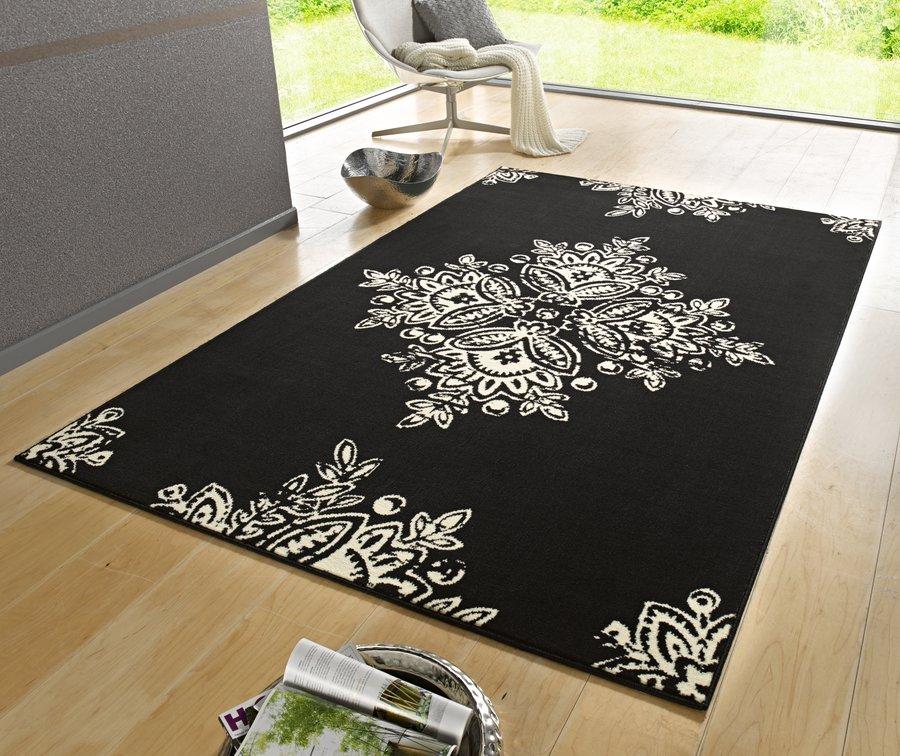 Černý kusový moderní koberec Gloria