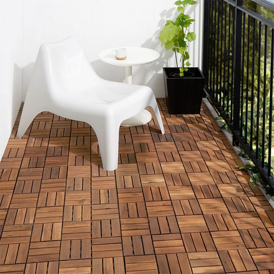 Dřevěná terasová dlaždice - délka 30 cm, šířka 30 cm a výška 2 cm