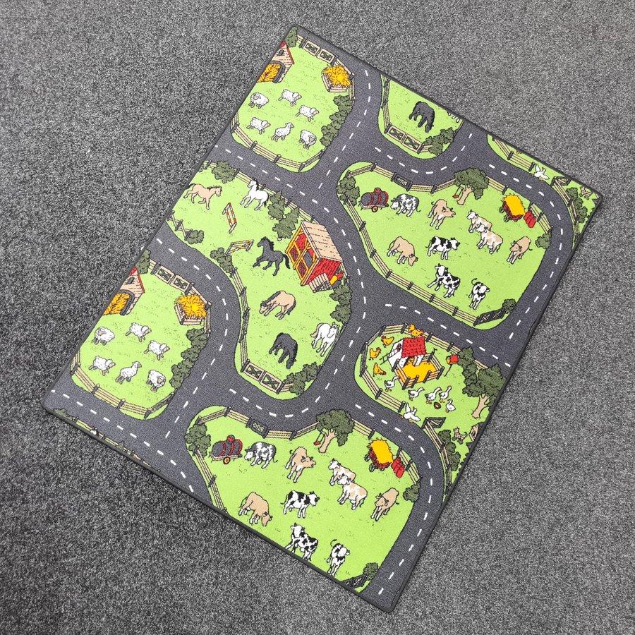 Různobarevný hrací kusový dětský koberec Farma 2 - délka 165 cm a šířka 133 cm