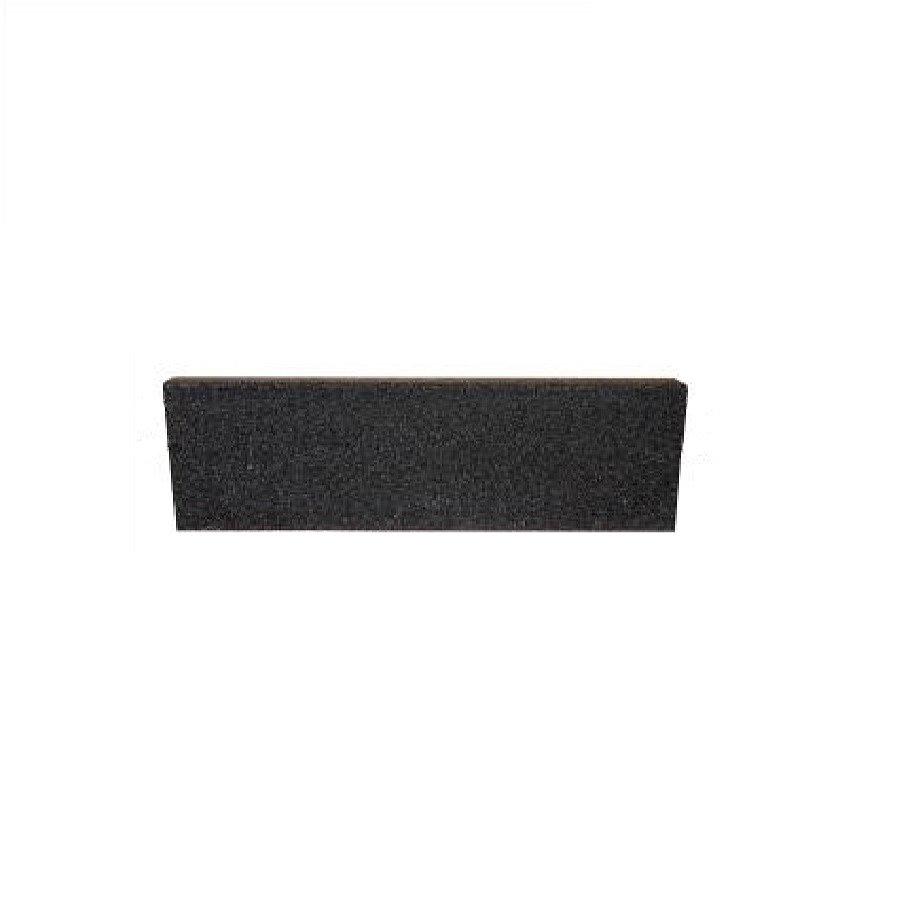 Černý rovný nájezd pro gumové dlaždice - délka 75 cm, šířka 30 cm a výška 2,5 cm