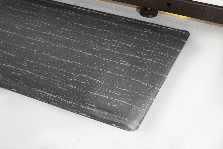 Šedá gumová protiúnavová průmyslová rohož - délka 150 cm, šířka 90 cm a výška 1,4 cm